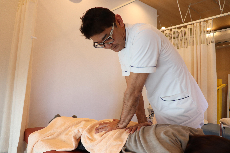 大阪府茨木市 茨木からだ整骨院 背中の痛み 治療方法